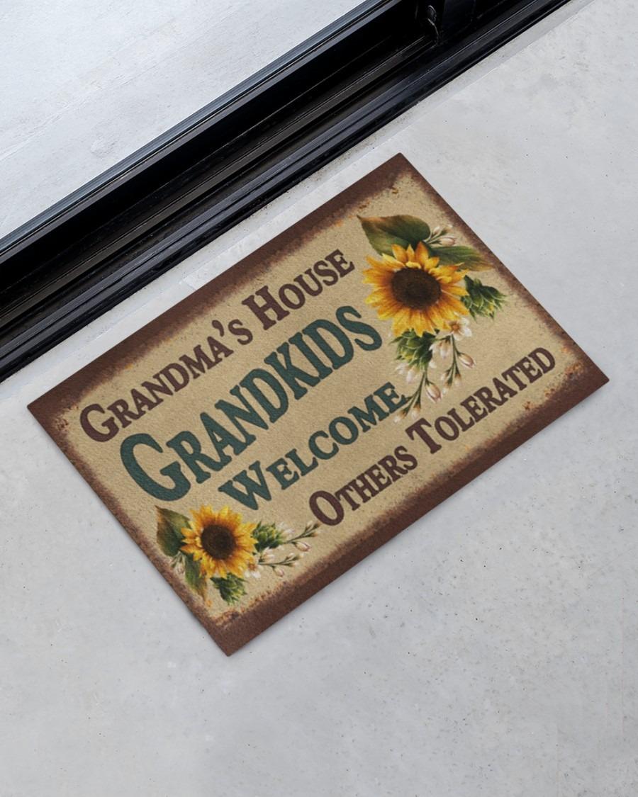 [LIMITED] Grandma's house grandkids welcome doormat