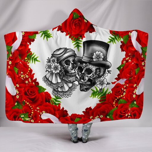 Amazing skull couple roses red all over printed hooded blanket