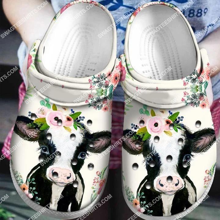 [Amazing fullprintingteeshirt] cow and flowers all over printed crocs crocband clog