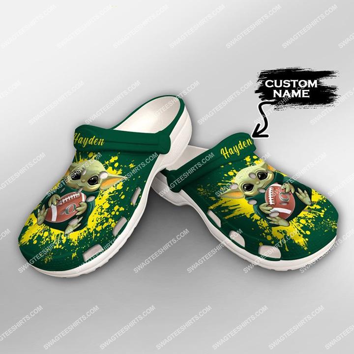 [Amazing swagteeshirt] custom baby yoda hold oregon ducks all over printed crocs