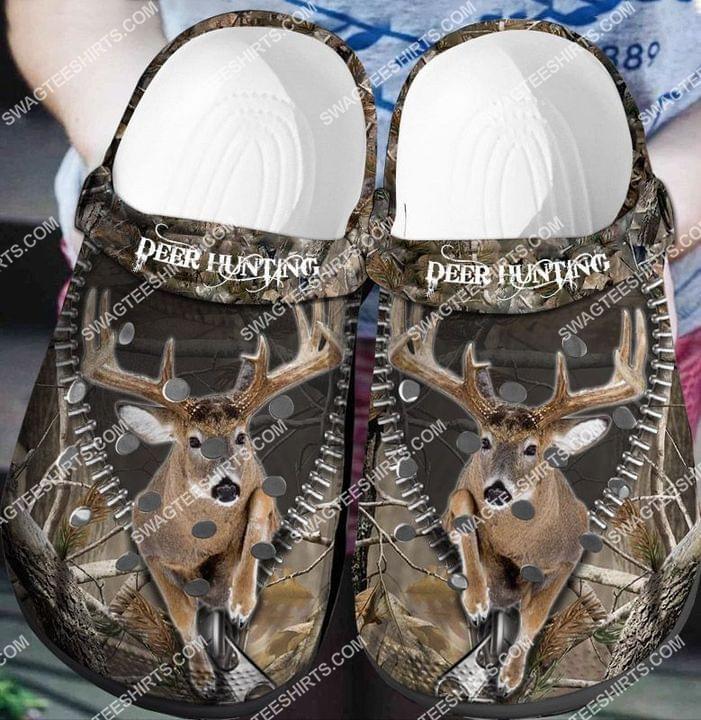 [Amazing fullprintingteeshirt] deer hunting all over printed crocs crocband clog