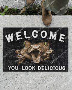 [Amazing swagtshirt] snack welcome you look delicious doormat