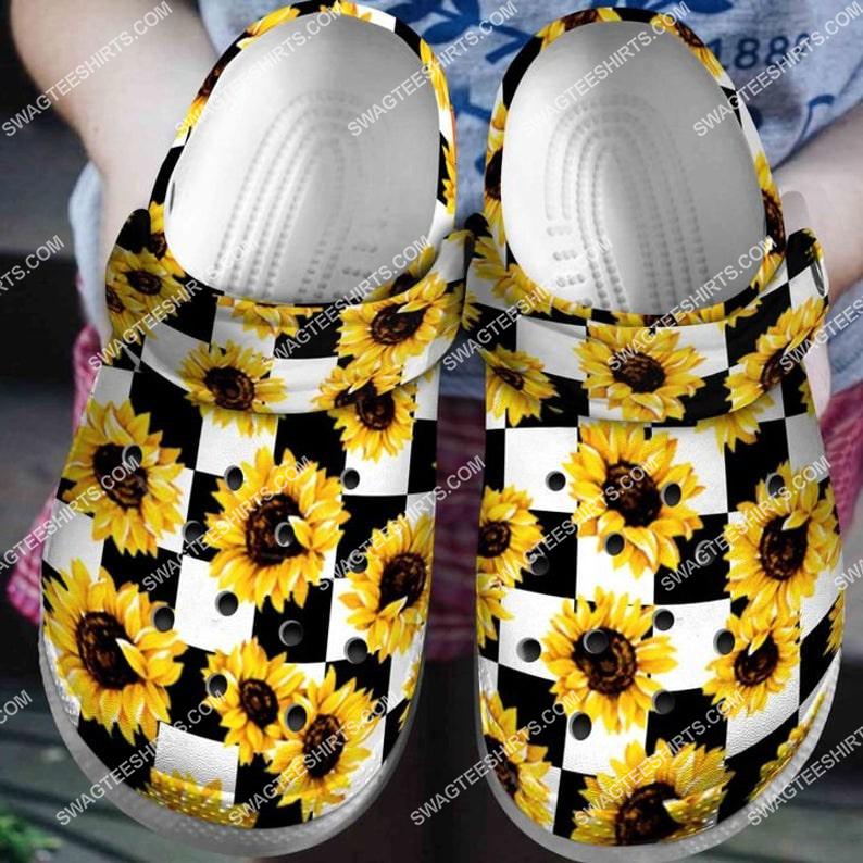 [Amazing fullprintingteeshirt] sunflower white and black all over printed crocs crocband clog
