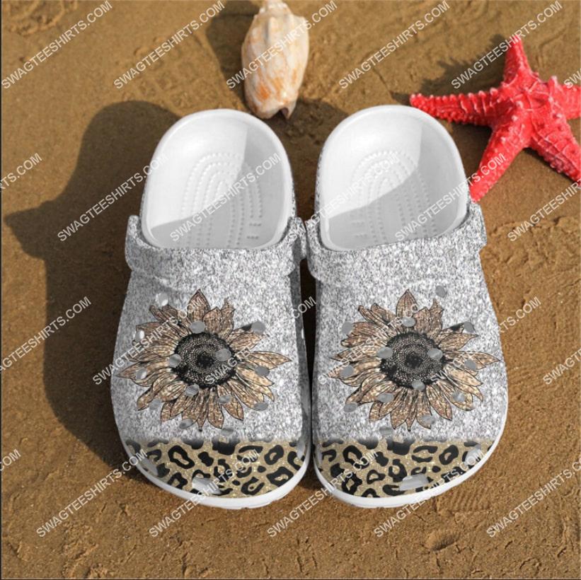 [Amazing fullprintingteeshirt] the cheetah flowers all over printed crocs crocband clog